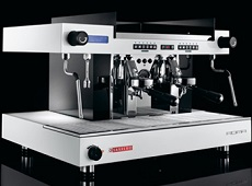 Новата свръхмодерна кафемашина San Remo Roma
